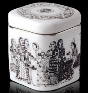 Фарфоровая чайница  50 гр.